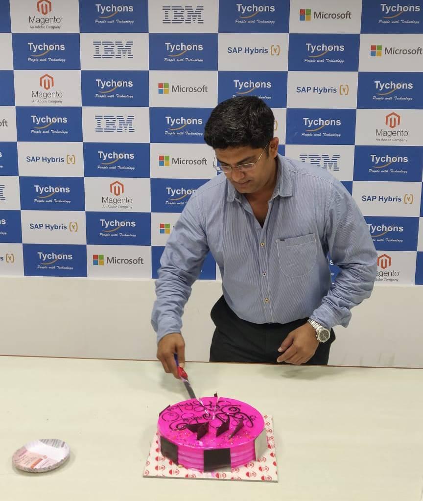 director-hbd-cake-1